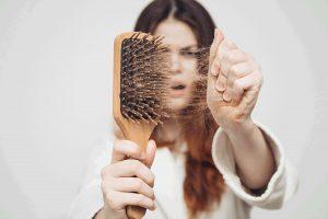چرا ریزش مو باید جدی گرفته شود؟