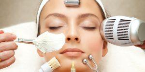 6 علامت که به شما نشان میدهد به یک روند جدید برای مراقبت از پوست نیاز دارید