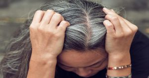 تحقیقات دانشمندان درباره نقش استرس در سفید شدن مو